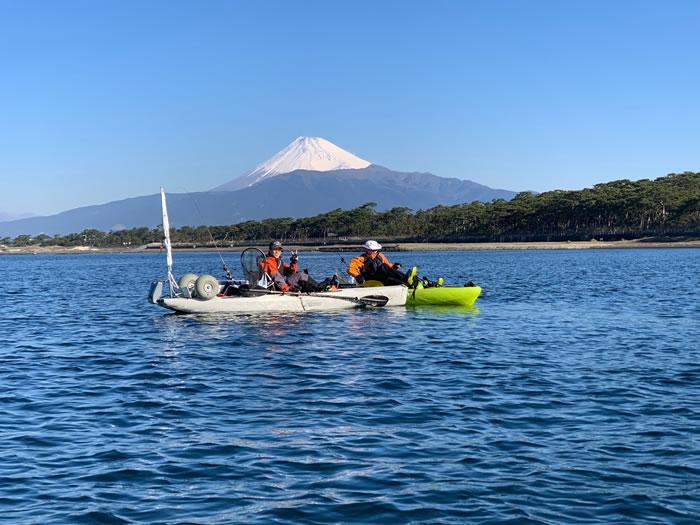 沼津の牛臥沖から見た富士山